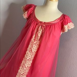 """Vintage 1970""""s pink lace babydoll nightgown"""